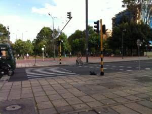 Un paso peatonal ejemplar- Cr 15 Cll 87, Parque el Virrey