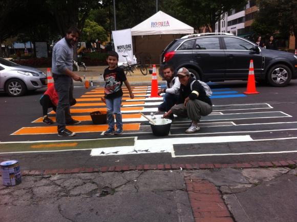 Cebras por la Vida features collective action for immediate urban change. Image by: Cebras por la Vida